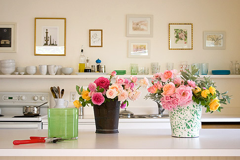 Roses-on-kitchen-counter