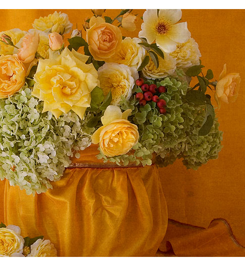 Yellow-Roses-&-Hydrangea