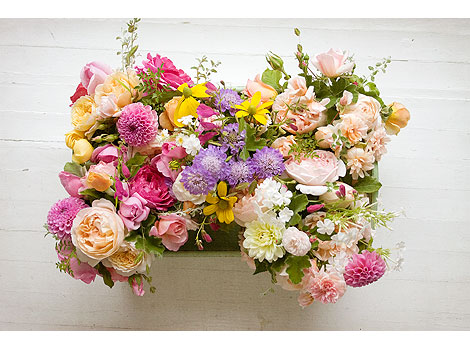 Bouquets-in-a-tray
