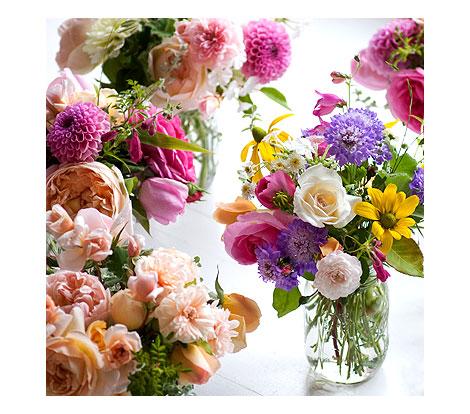 Flowers-in-mason-jars