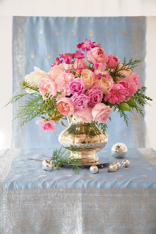 Pink-roses-and-blue-backdrop