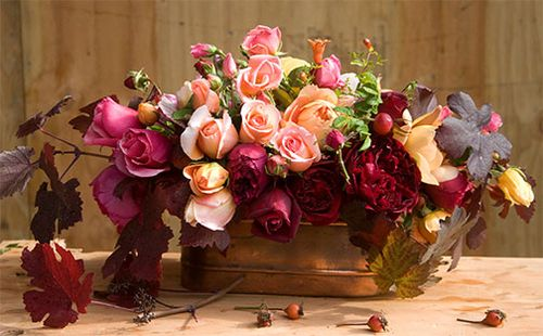 Thanksgiving-centerpiece-roses