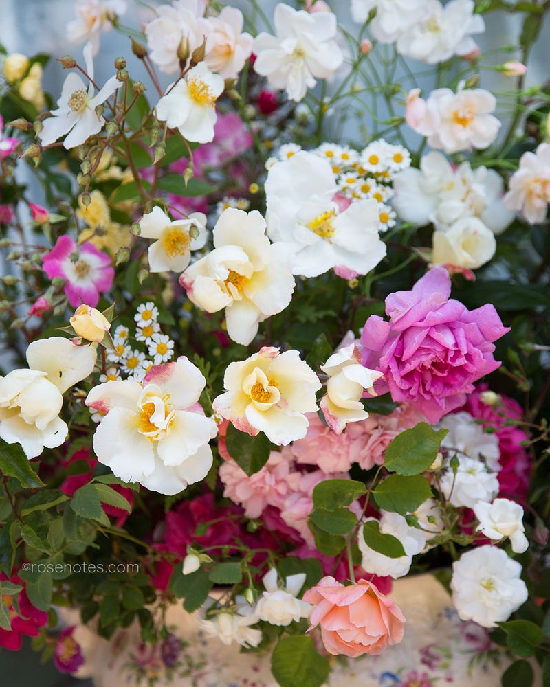 Heritage-rose-bouquet